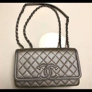 Chanel classic flap filigree medium shoulder bag